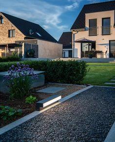 1003535-SLV-L-Line-Out-60-FL-LED-Stålampe_m Led, Mansions, House Styles, Home Decor, Modern, Decoration Home, Manor Houses, Room Decor, Villas