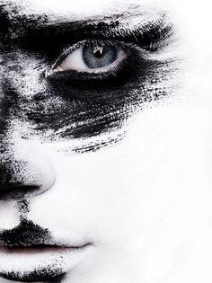Art - Loni Baur MakeUp #artistic