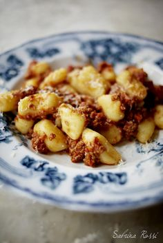 Gnocchi (basic italian recipe) - I've never tried making it before but want to
