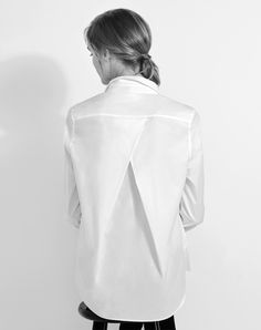 The Pleat-Back Shirt | Cuyana