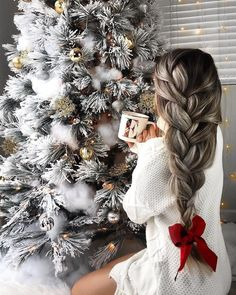 62 Most Creative Christmas Hairstyles for Women To Look Pretty And Cool - Christmas Ideas - Christmas Hairstyles, Winter Hairstyles, Anime Hairstyles, Black Hairstyles, Celebrity Hairstyles, Loose Braids, Christmas Aesthetic, Christmas Mood, Christmas Fashion