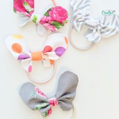 Want to make some adorable butterfly hair accessories for the little girls in your life? These butterfly hair bows are so simple to make with fabric scraps and are perfect for girls of all ages! handmade for kids DIY BUTTERFLY HAIR BOWS Fabric Hair Bows, Diy Hair Bows, Diy Bow, Diy Ribbon, Handmade Hair Bows, Hair Tie, Diy Papillon, Diy Baby Headbands, Headbands For Girls