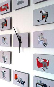 Reloj de pared diseñado por Los Profesionales, formado por 12 imágenes dispuestas libremente alrededor de un mecanismo con manillas. Dimensiones aproximadas: 50 x 66 cm.  Wall Colck designed by Los Profesionales. 12 drawings freely disposed around a mechanism. 50 x 66 cm.