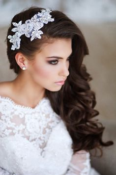 glamorous wedding hairstyles with lace and pearl bridal headpiece