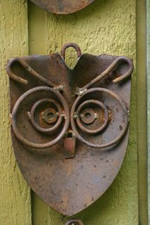 Kathi's Garden Art Rust-n-Stuff: A Parliament of Owls .  Once a shovel!  Owls! They are everywhere!!!!!