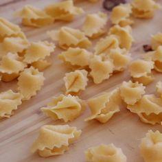 Tasty Videos, Food Videos, Cannoli, Fudge Flavors, Crockpot Recipes, Cooking Recipes, New York Bagel, Pasta Casera, Deli Food