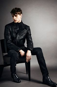 64b2b6ecfc3 Tom Ford Fall 2014 Menswear Collection - Vogue Gq Style