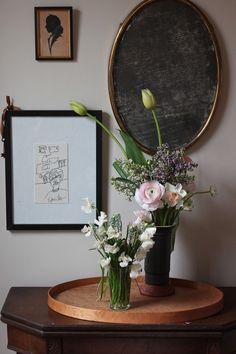 DIY-lilacs-ranunculus-tulips-narciccus-winter arrangements gardenista