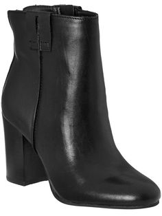 Black boots - 25% off today only.