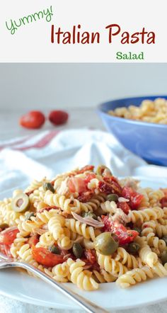 This Italian Pasta Salad recipe is simple and delicious.It's full of all the southern Italian classics of tomatoes, olives and capers. Fish Recipes, Whole Food Recipes, Appetizer Recipes, Bruschetta Chicken Pasta, Hot Desserts, Aussie Food, Pasta Salad Italian, Pasta Salad Recipes, Chopped Salads