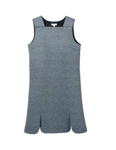 Vestido gris, de Kling (40 €). - Copyright © 2014 Hearst Magazines, S.L.