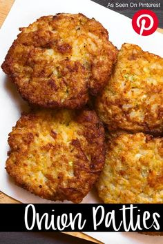These onion patties are SO good. Get ready to have the best BBQ ever when you bring these! They are way better than onion rings or french fries. Wait until you try them on a hamburger! Onion Recipes, Vegetable Recipes, Vegetarian Recipes, Cooking Recipes, Cooked Cabbage Recipes, Vegetarian Barbecue, Barbecue Recipes, Vegetarian Cooking, Easy Cooking