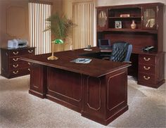 Elegant office furniture desk wood home solid luxury design best pictures b Office Interior Design, Office Interiors, Design Desk, Executive Office Furniture, Office Desks, Ikea Office, Office Table, Small Office, Home Office Furniture Uk