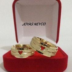 Somos una empresa con experiencia, dedicada al diseño, fabricación, producción y comercialización de joyas en oro de 18K, plata 925. Somos innovación, moda, estilo, color, exclusividad. Garantía y calidad de nuestros productos. Catalog, Wedding Rings, Engagement Rings, Learning, Jewelry, Products, Colors, Enagement Rings, Jewlery