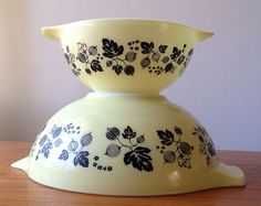 SOLD Set of two 'Gooseberry' pattern cinderella bowls. Perfect set to start out the beginner cook or add to your Pyrex collection