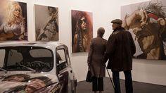 Die erste Kölner Kunstmesse passiert im 1967. Köln ist eine berühmte Stadt für Kunst.