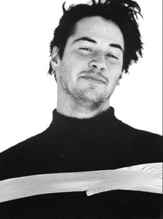 Pure perfection - Bitcoin - Ideas of Bitcoin - Pure perfection Keanu Reeves Young, Keanu Charles Reeves, Beautiful Boys, Pretty Boys, Keanu Reaves, Actor John, Attractive People, Portrait, Movie Stars