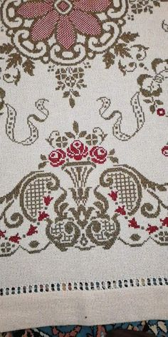 Cross Stitch Embroidery, Bed Sheets, Needlework, Rugs, Crafts, Inspiration, Decor, Table Linens, Needlepoint