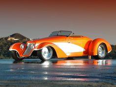 Auburn Speedster 851 Boattail de 1935 transformado en Deco Rides Boattail Speedster by Chip Foose y Terry Cook en 2003. Motor V8 de 5300 cc y 450 CV. Se tardó 6 años en terminarlo.