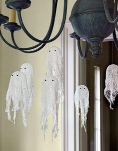 Ghosts. Artesanato para crianças no Dia das Bruxas