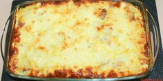 Cartofi gratinati la cuptor cu branza, cascaval, sunca, oua si smantana Desert Recipes, I Foods, Lasagna, Meal Planning, Deserts, Food And Drink, Appetizers, Cooking Recipes, Yummy Food