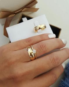 Vivadoro jóias arrazando nas alianças! Alinças De Casamento, Alianças De  Noivado, Anel De 7f42820413