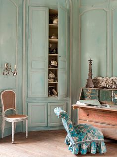 Le Grillon Voyageur #French #Paris #Interior Design