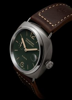 The Panerai Radiomir 8 Days Titanio features a 45 mm in diameter titanium case with a polished, stationary bezel, a small seconds displayed on a subdial at 9 o'clock and the date, visible through a round magnifying lens integrated into the sapphire crystal, at 3 o'clock.