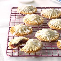 80 Vintage Cookie Recipes Worth Trying Today Spritz Cookies, Oatmeal Cookies, Chip Cookies, Shortbread Cookies, Fruitcake Cookies, Oatmeal Bars, Kiss Cookies, Molasses Cookies, Ginger Cookies