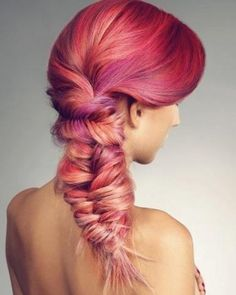 BEAUTIFUL colors!! I wish I had the balls to do this to my hair lol