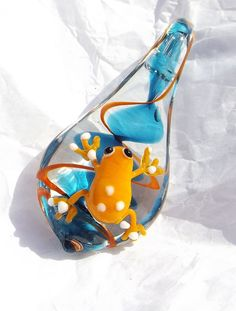 Murano Glass Tropical Costa Rica Tree Frog Mantela Poison Dart Frogs Orange on Teardrop Dichroic Pendant Lampwork Lamp for Necklace #162