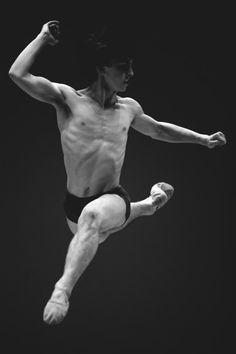 random beauty | black and white ballet / body, muscle / balance / grace / dancer