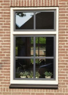 Venster wit grijs House Windows, Windows And Doors, Belgian Style, Window Styles, House Extensions, Window Frames, Industrial House, Interior Styling, Home And Living