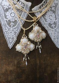 """Купить Серьги """"le zephire"""" - бледно-розовый, серьги с жемчугом, вышитые серьги, вышивка ручная"""