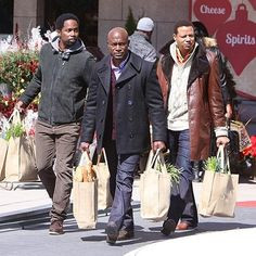 Harold Perrineau, Taye Diggs and Terrence Howard load up on groceries while filming scenes for The Best Man Holiday on Monday in Toronto.