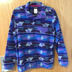 Patagonia Synchilla Snap-T Pullover (Lightweight) Very lightweight. Perfect for layering or getting that oversized look. Worn only a couple of times and in perfect condition. Patagonia Jackets & Coats