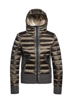 978a0fd7f94f Лучших изображений доски «куртки»  107 в 2019 г.   Down coat, Jacket ...