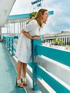 burda style: Damen - Plus (bis Größe 60) - Kleider & Tuniken - Romantisches Kleid - hochgeschlossen