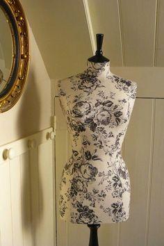 I love this refurbished dress form! #trend