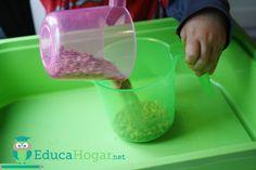 Una de las áreas que más me gusta del método Montessori es la de Vida Práctica. Ya que los niños desarrollan habilidades que podrán aplicar en la vida real, mientras que, ejercitan su capacidad mo… Montessori Materials, Montessori Activities, Toddler Activities, Practical Life, Reggio Emilia, Motor Skills, Kids, Berta, United Nations