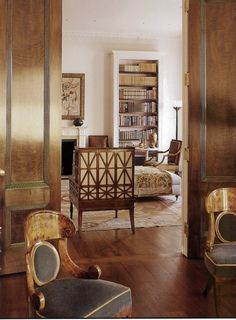 Stephen Sills and James Huniford are two of today's most acclaimed interior designers, whose clients include Linda Wells, Jane Pratt, and Anna Wintour. Their firm was recently included in New York magazine's Top 100 Architects & Decorators and their. Best Interior, Home Interior, Interior And Exterior, Interior Decorating, Interior Design, Decorating Ideas, Beautiful Interiors, Beautiful Homes, My Living Room