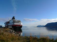 Escale pour l'express côtier de Norvège...