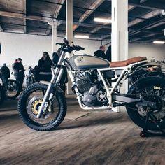 R Scrambler - klassikkustoms: #Honda #Nx650 #tracker