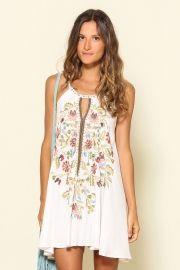 vestido bordado coralina