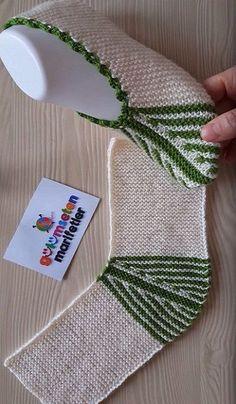 New crochet easy slippers free knitting patterns ideas Crochet Socks, Knitting Socks, Free Knitting, Knit Crochet, Knitted Booties, Knitted Slippers, Knitting Blogs, Baby Knitting Patterns, Knitting Projects