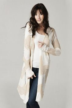 Love that cardigan. The length. The colors. Gorg!