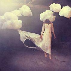 Η Σκέψη είναι μια δύναμη, μια εκδήλωση της ενέργειας, έχοντας μια μαγνητική ικανότητα έλξης. Σκέψη = Δόνηση Advertisement Οι δονήσεις της σκέψης, δεν είναι δυνατό να γίνουν ορατές, δεν μπορούμε να τις γευτούμε, να τις οσφρανθούμε, να τις ακούσουμε ή να τις ψηλαφίσουμε με το συνηθισμένο τρόπο. Η τηλεπάθεια είναι και αυτή ένα ισχυρό κύμα …