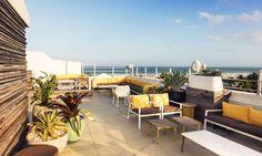 Hotel The Clevelander Miami. Un Rooftop bar en lo alto de uno de esos edificios Art Déco tan característicos de Miami. Imprescindible ;)