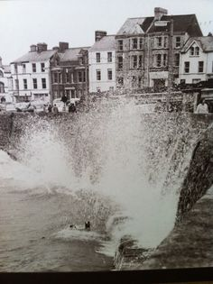 Had so much fun as a kid running from the waves when they crashed over the wall! Seafront Bangor Co Down Bangor Northern Ireland, Seaside Towns, Christmas Bows, Diy Bow, Belfast, Old Houses, Old Photos, Murals, Childhood Memories