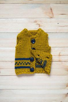 Knitted toddler vest // Mustard vest, rustic knitted waistcoat, knitted vest, kids vest, 12-18 months old, winter vest, onward onward